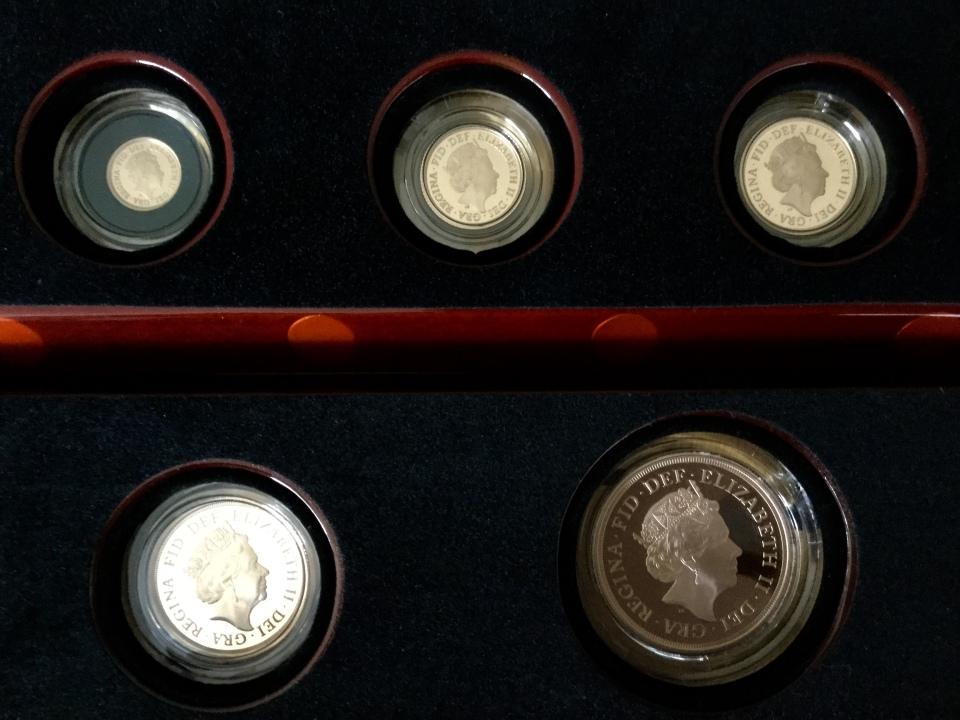 2019 5 coin set 3